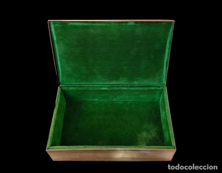 Antigüedades: antigua caja modernista ,metal dorado , estriada, - Foto 2 - 64937747