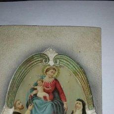 Antigüedades: PRECIOSA ESTAMPA EN RELIEVE SOBRE CARTONÉ. VIRGEN MARIA. REVERSO ESCRITO 1913. Lote 64967170