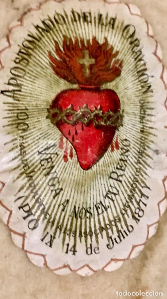 Antigüedades: escapulario apostolado de la oración pio IX 1877 14 JULIO JHS papel algodon 11x9cms sXIX - Foto 6 - 64981947