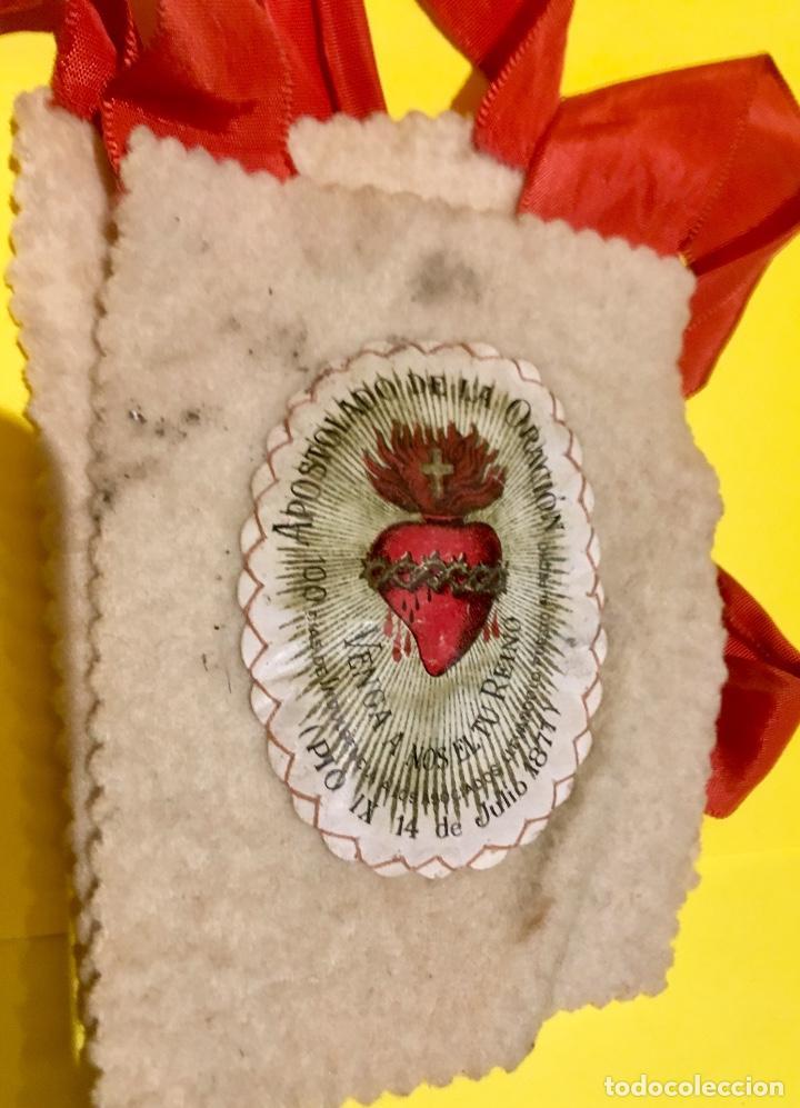 Antigüedades: escapulario apostolado de la oración pio IX 1877 14 JULIO JHS papel algodon 11x9cms sXIX - Foto 8 - 64981947