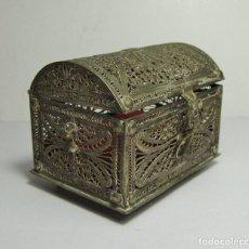 Antigüedades: PRECIOSA CAJITA - JOYERO. FILIGRANA DE PLATA. MAGNIFICO TRABAJO.. Lote 65135611