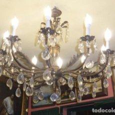 Antigüedades: ANTIGUA LAMPARA DE BRONCE CON CRISTALES TALLADOS. . Lote 65457762