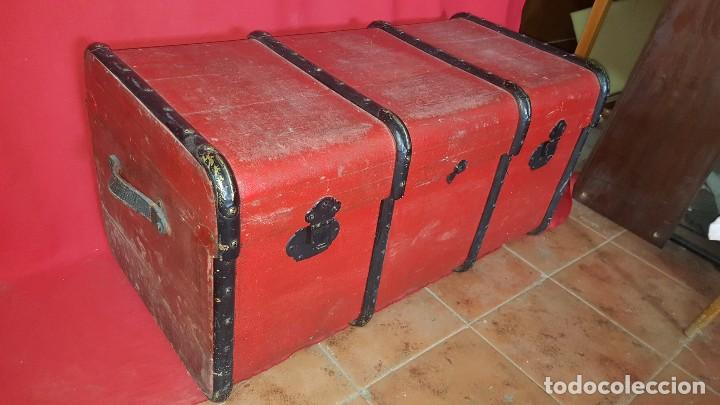 Antigüedades: Baul de color rojo. Necesita algo de restauración. - Foto 2 - 65460670