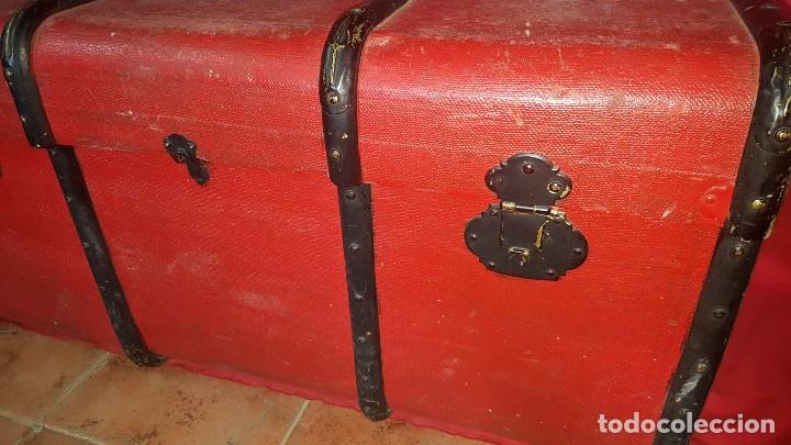 Antigüedades: Baul de color rojo. Necesita algo de restauración. - Foto 6 - 65460670
