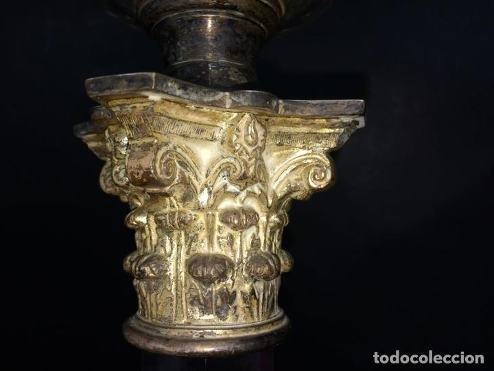 Antigüedades: QUINQUÉ. COLUMNA CLÁSICA. CRISTAL Y METAL PLATEADO. EVERED CO. INGLATERRA. 1850 - Foto 9 - 65659074