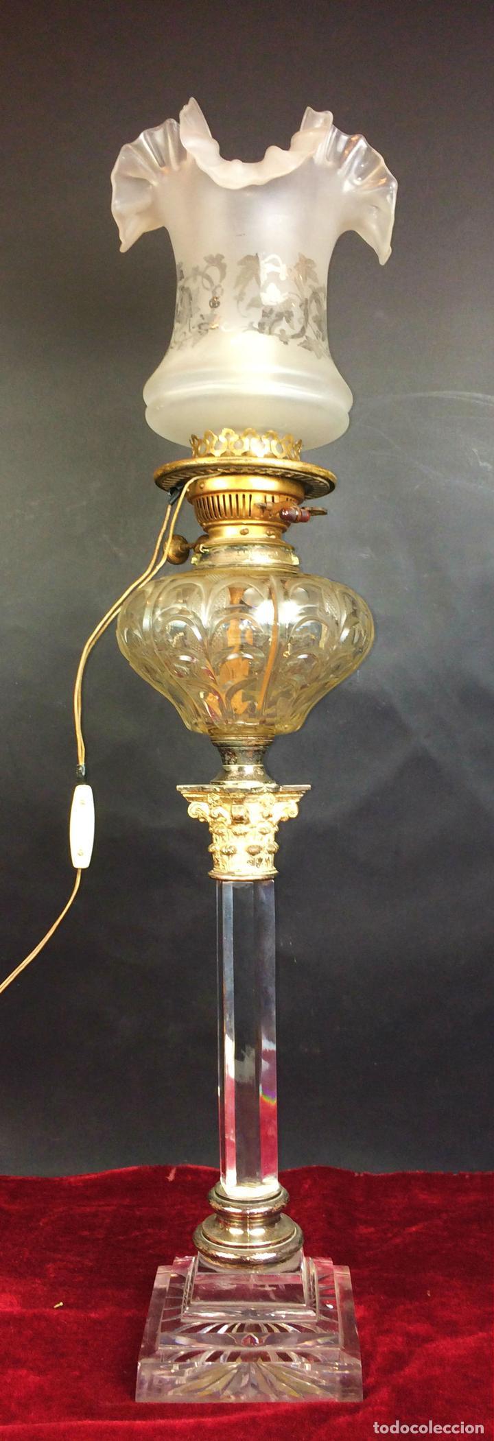 QUINQUÉ. COLUMNA CLÁSICA. CRISTAL Y METAL PLATEADO. EVERED CO. INGLATERRA. 1850 (Antigüedades - Iluminación - Quinqués Antiguos)