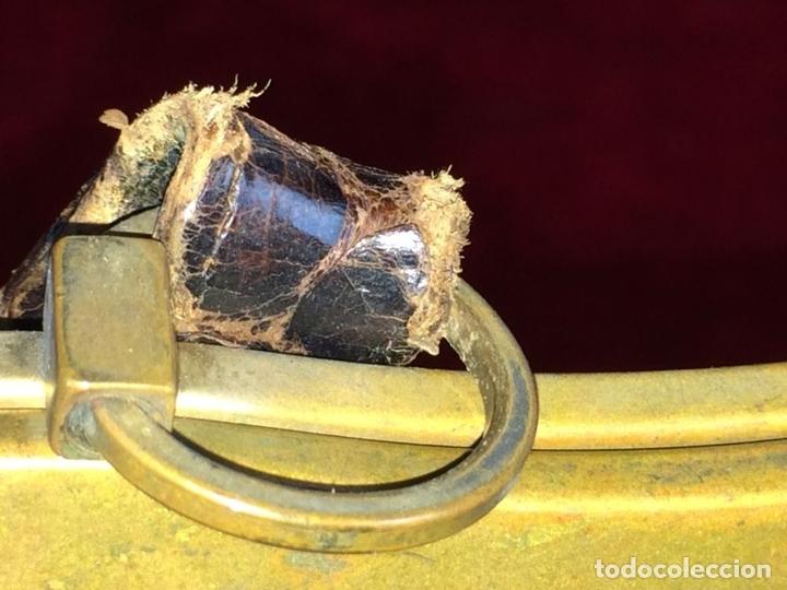Antigüedades: BOLSO EN PIEL DE LAGARTO. METAL DORADO. ESPAÑA. CIRCA 1950 - Foto 4 - 65774814