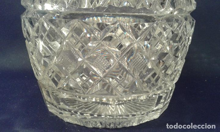 Antigüedades: Botella de cristal tallado. ¿Inglaterra?. Siglo XIX-XX. - Foto 4 - 65872154