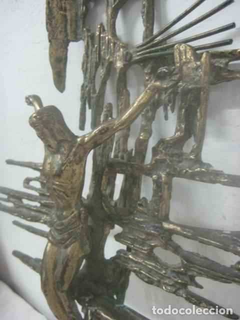 Antigüedades: IMPRESIONANTE CRUCIFIJO MODERNISTA HECHO COMPLETO EN BRONCE MACIZO DATA DEL 1930, MUY DALINIANO - Foto 11 - 65883394