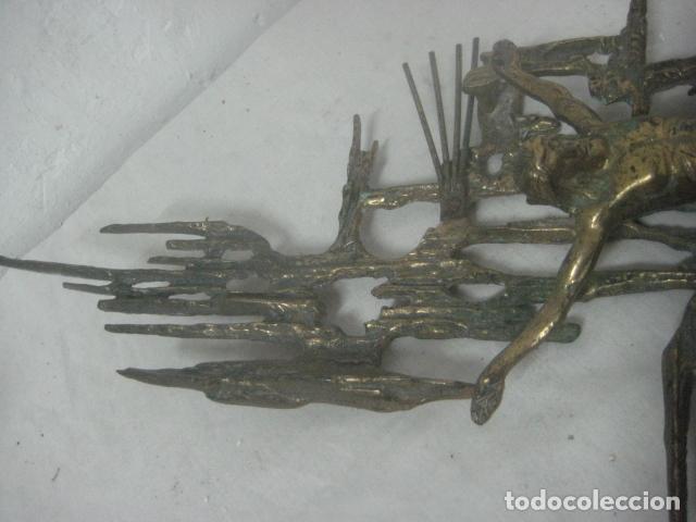 Antigüedades: IMPRESIONANTE CRUCIFIJO MODERNISTA HECHO COMPLETO EN BRONCE MACIZO DATA DEL 1930, MUY DALINIANO - Foto 15 - 65883394