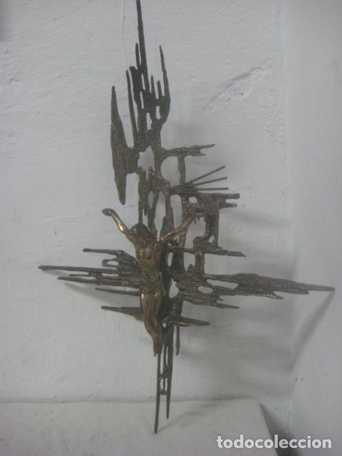 Antigüedades: IMPRESIONANTE CRUCIFIJO MODERNISTA HECHO COMPLETO EN BRONCE MACIZO DATA DEL 1930, MUY DALINIANO - Foto 16 - 65883394