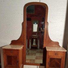 Antigüedades: TOCADOR CON ESPEJO MODERNISTA. Lote 65883426