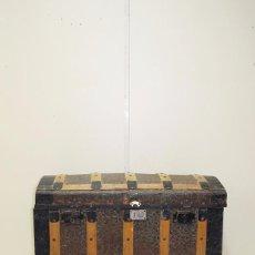 Antigüedades: BAÚL ANTIGUO DE MADERA - NECESITA RESTAURACIÓN. Lote 65954350