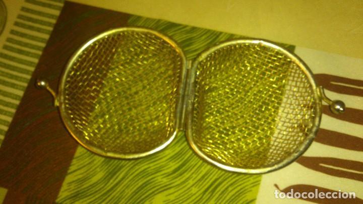 Antigüedades: Antiguo monedero de red recia,metal dorado.poco visto - Foto 3 - 65964698