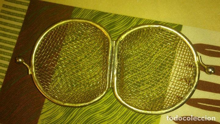 Antigüedades: Antiguo monedero de red recia,metal dorado.poco visto - Foto 4 - 65964698