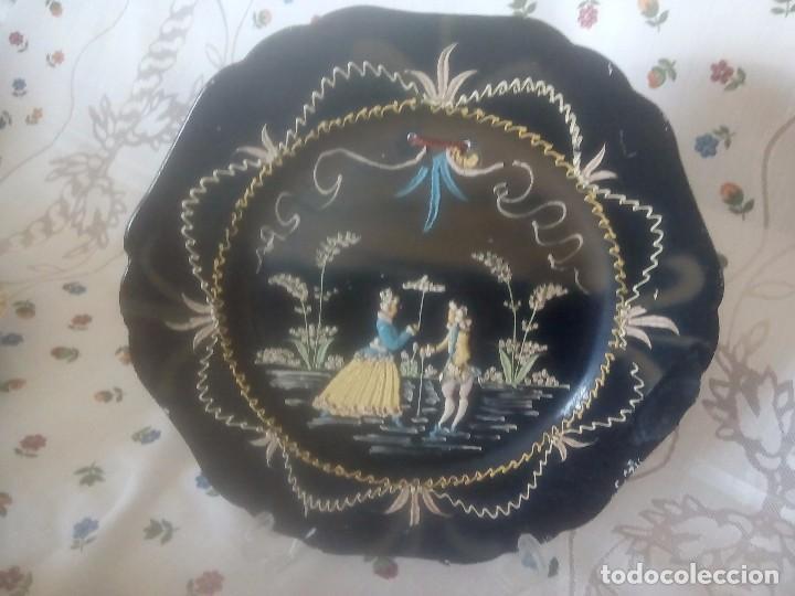 PLATO SUPER ESPECIAL. DIFERENTE. MUY ORIGINAL. UNICO. CERAMICA DE SAN JUAN S. A. SEVILLA. (Antigüedades - Porcelanas y Cerámicas - San Juan de Aznalfarache)