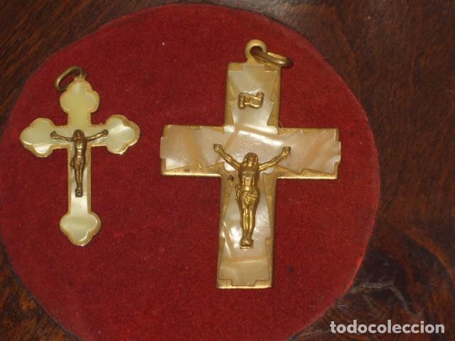 CRUZ DE NACARADA,2 CRUCES DE COMUNION NACARADAS,AÑOS 70. (Antigüedades - Religiosas - Cruces Antiguas)