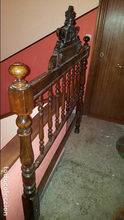 Antigüedades: Cabecero antiguo de madera finales del siglo XIX - Foto 3 - 66029742