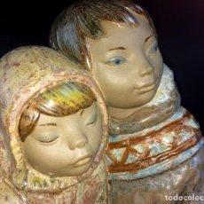 Antigüedades: NIÑOS DEL ARTICO. GRES ESMALTADO. LLADRÓ. JUAN HUERTA. 1971- 2000. Lote 66105818