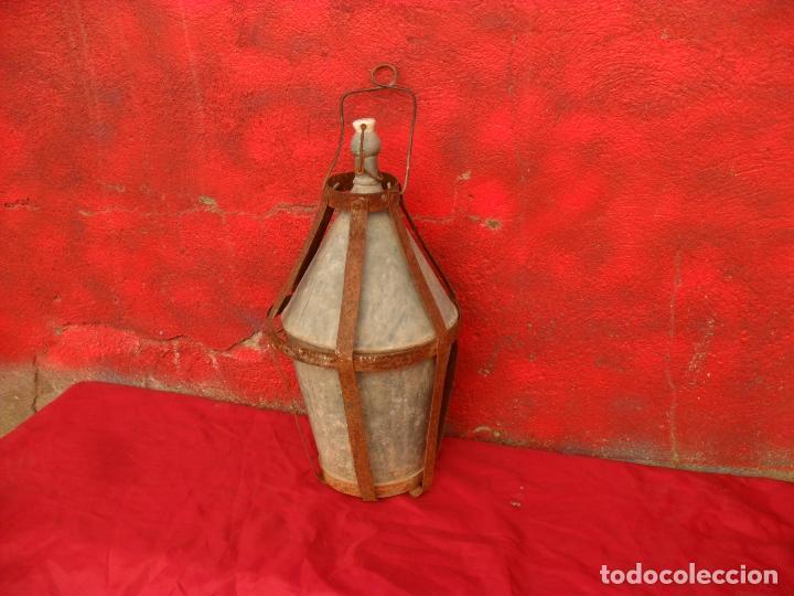 ANTIGUA BOTELLA PARA LLEVAR AL CAMPO,ZINC,CON JAULA DE CHAPA,GRANDE (Antigüedades - Técnicas - Rústicas - Utensilios del Hogar)