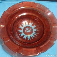 Antigüedades: PALANGANA DE VIDRIO GRUESO CON GREGA, COLOR ROJO. Lote 66165642