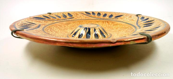 Antigüedades: PLATO DE REFLEJOS DE MANISES 39 CM. DE DIÁMETRO, VER FOTOS. - Foto 7 - 113648014