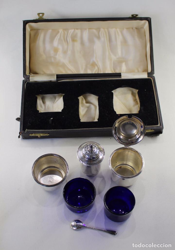 Antigüedades: JUEGO DE CONDIMENTOS EN PLATA LEY INGLESA, MOSTAZA, PIMENTERO Y SALERO MARCADO 1937 - Foto 6 - 66218982