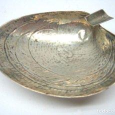 Antigüedades: ANTIGUO CENTRO CENICERO ALMEJA DE PLATA DE LEY 925. Lote 66239302
