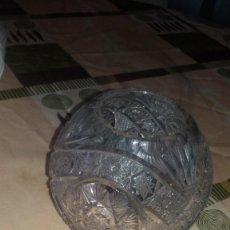 Antigüedades: PRECIOSO JARRÓN BOLA DE CRISTAL DE BOHEMIA TALLADO.. Lote 66269210