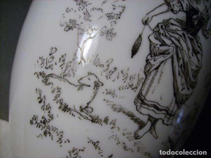 Antigüedades: JARRÓN DE OPALINA BLANCA - Foto 13 - 66302530