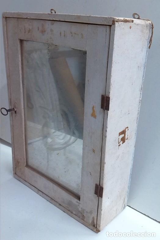 Antiguo botiquin o mueble romi de ba o para re comprar muebles auxiliares antiguos en - Botiquin antiguo ...
