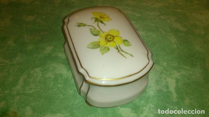 Antigüedades: Precioso joyero de porcelana,pintado a mano. giraud limoges france - Foto 3 - 66879594