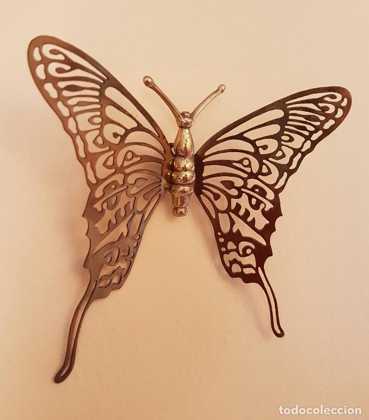 Antigüedades: Mariposa antigua decorativa para colgar en latón troquelado . - Foto 3 - 66882962