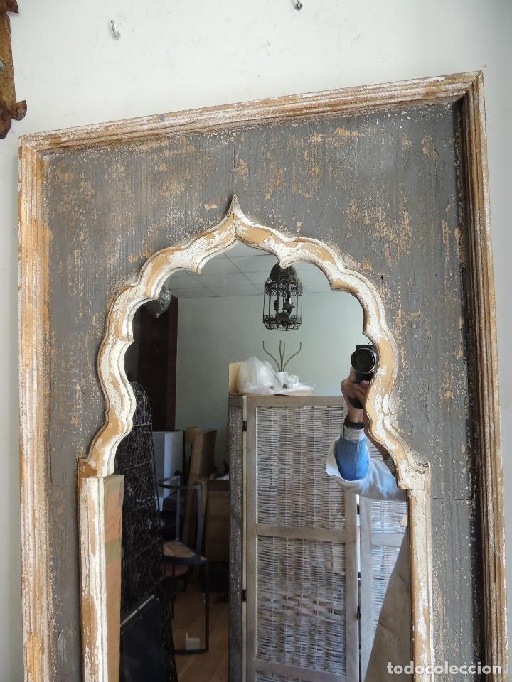 Antigüedades: ESPEJO DE MADERA PINTADO EN DECAPE CON FORMAS ARABES - Foto 9 - 151178660