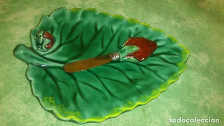 Antigüedades: Preciosa mantequillera con cuchillo hoja con fresas,vallauris lunettas france. - Foto 2 - 66946146