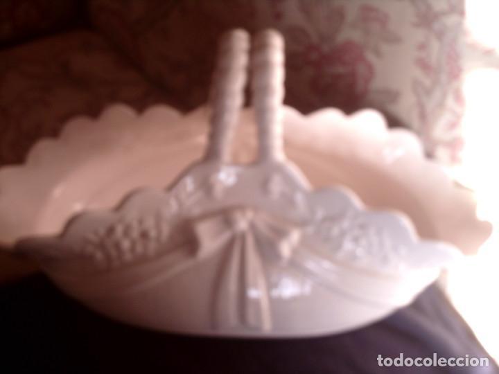 Antigüedades: CESTA JARDINERA CENTRO DE PORCELANA DE HISPANIA, LLADRÓ. SELLADA EN LA BASE, GRAN TAMAÑO - Foto 2 - 66973094