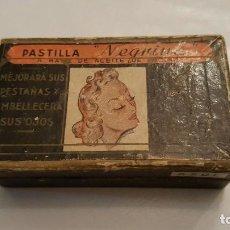Antigüedades: F2611 ANTIGUA CAJA RIMEL PASTILLA NEGRITA MARCA BLAVI SA RIMEL NEGRO Y AZUL CEPILLO PESTAÑAS ESPEJO. Lote 67047878