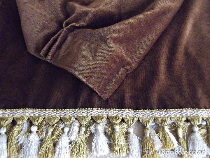 antigedades cortina de terciopelo retal marron chocolate tapicerias foto
