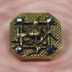 Antigüedades: BOT-011 BOTÓN ART NOUVEAU.METAL DORADO. HEMATITES. T W W. PARIS.CIRCA 1900.. Lote 67094173