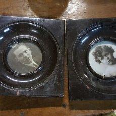 Antigüedades: PAREJA DE MARCOS CON FOTOS ANTIGUAS PORTAFOTOS. Lote 67172902