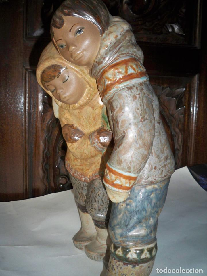 FIGURA LLADRO NIÑOS DEL ARTICO ESQUIMALES (Antigüedades - Porcelanas y Cerámicas - Lladró)