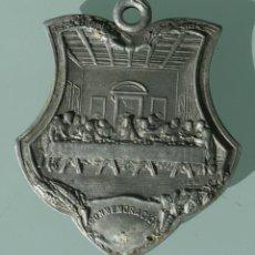 Antigüedades: ANTIGUA MEDALLA CONMEMORACION 1907 JUEVES EUCARISTICOS – REPARACION- ULTIMA CENA EN RELIEVE EN METAL. Lote 67187097