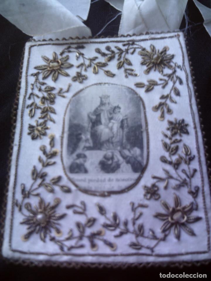 Antigüedades: ESCAPULARIO VIRGEN DEL CARMEN S.XIX SEDA BORDADA A MANO, FILIGRANAS DE HILOS DE ORO Y CANUTILLOS - Foto 2 - 67213849
