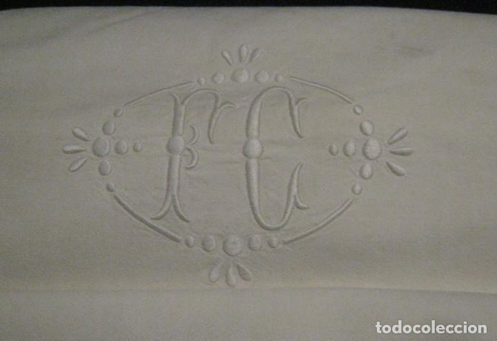 ANTIGUA SÁBANA DE ALGODÓN CON INICIALES Y VAINICA (Antigüedades - Hogar y Decoración - Sábanas Antiguas)