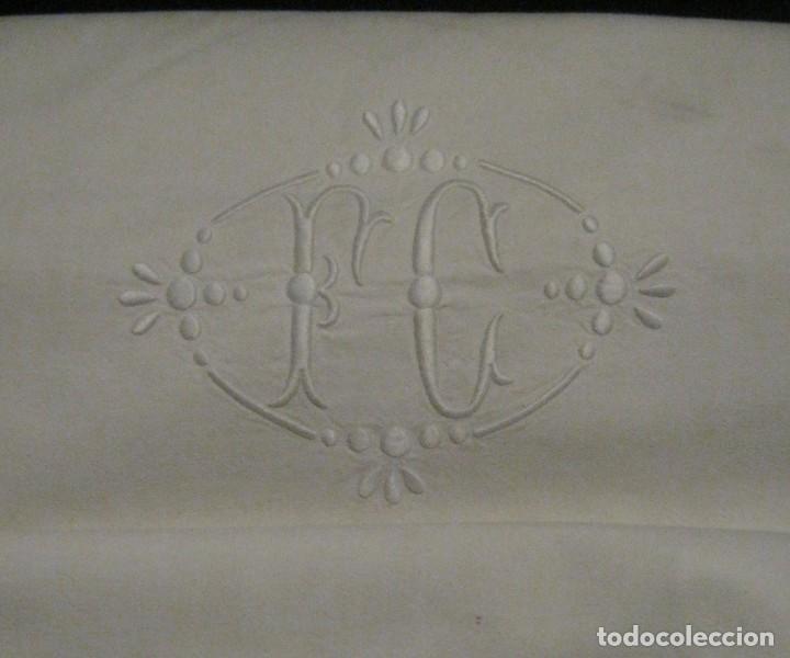 Antigüedades: ANTIGUA SÁBANA DE ALGODÓN CON INICIALES Y VAINICA - Foto 3 - 67313793