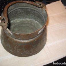 Antigüedades: CALDERO DE COBRE ANTIGUO CON ASA Y DIBUJO MEDIDA 17 X 20 CM.. Lote 67425877