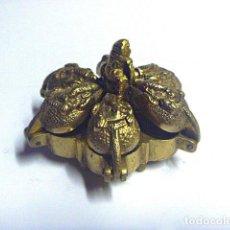 Antigüedades: ANTIGUA CAJA HINDÚ, FLOR DE LOTO, PARA POLVOS. Lote 67431921