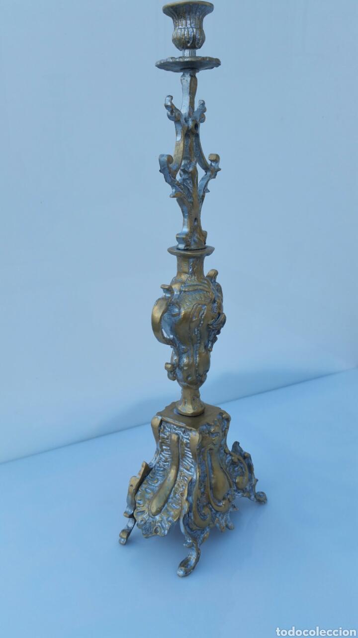 CANDELABRO BRONCE ALTURA 46 CMS (Antigüedades - Hogar y Decoración - Portavelas Antiguas)