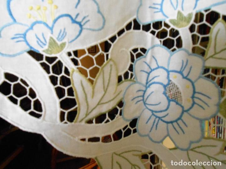 Antigüedades: Precioso cortina/volante.Algodon 100%.Bordado en colores y cutwork.50 x 125 cm. Nuevo - Foto 4 - 193400197