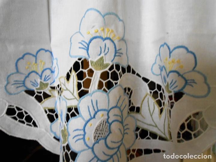 Antigüedades: Precioso cortina/volante.Algodon 100%.Bordado en colores y cutwork.50 x 125 cm. Nuevo - Foto 5 - 193400197